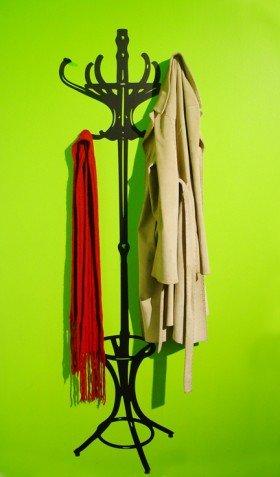 2D to 3D Coat Tree